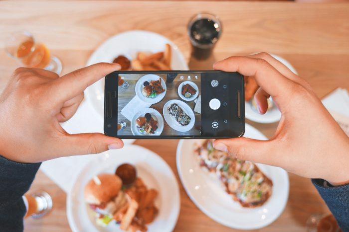 Marketing para restaurantes: divulgação feita por clientes é excelente opção