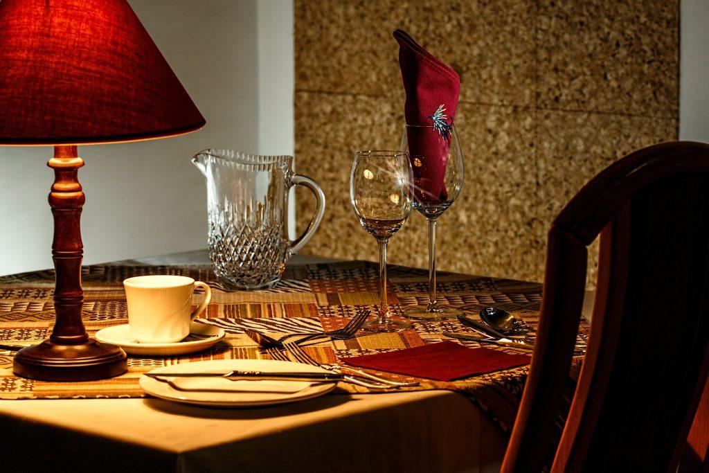Fazer promoções especiais em datas comemorativas cria uma excelente oportunidade de divulgação de seu restaurante
